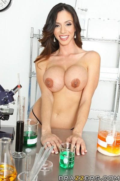 Ariella Ferrera topless at lab