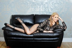 Julia Ann shows off her sexy legs
